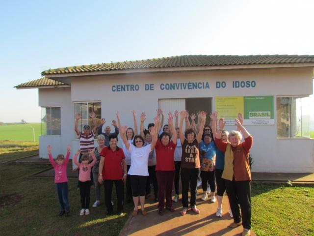 Acontece na quarta-feira de manhã no Centro do Idoso, com a participação de idosos da sede do município, de Segredo e Linha Vitória.